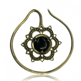 """Onyx Labangalata\"" brass ear jewel"