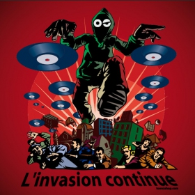 """Tenture/b�che """"l'invasion continue"""""""