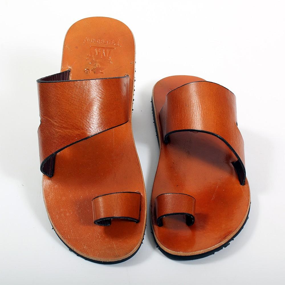 tong en cuir mythri camel taille 37 homme chaussures. Black Bedroom Furniture Sets. Home Design Ideas