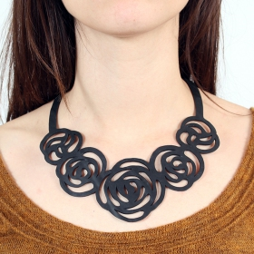 "Collier chambre à air ""Rose\"""