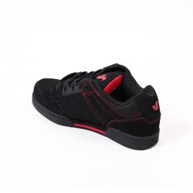 DVS Celsius, Cuir noir et détails rouges