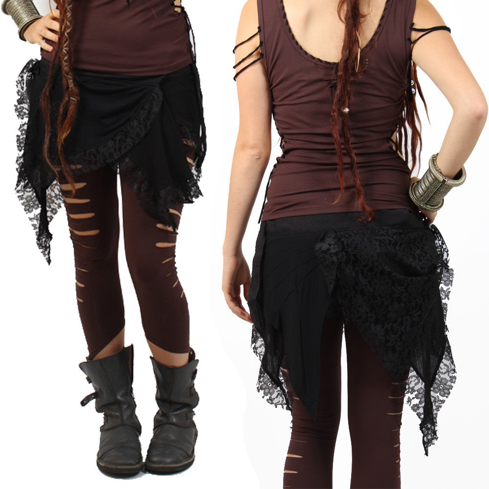 jupe liloo chibi moon en dentelle noire style gothique, dark punk avec superpositions de matières, jupe tutu