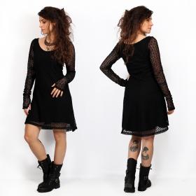 petite robe en dentelle noire élégante et originale, robe manches longues avec doublure crochet alchemÿa yggdrazil, robe mori, dark boho, roots, goth, manches transparentes, robe patineuse avec large col rond élégant