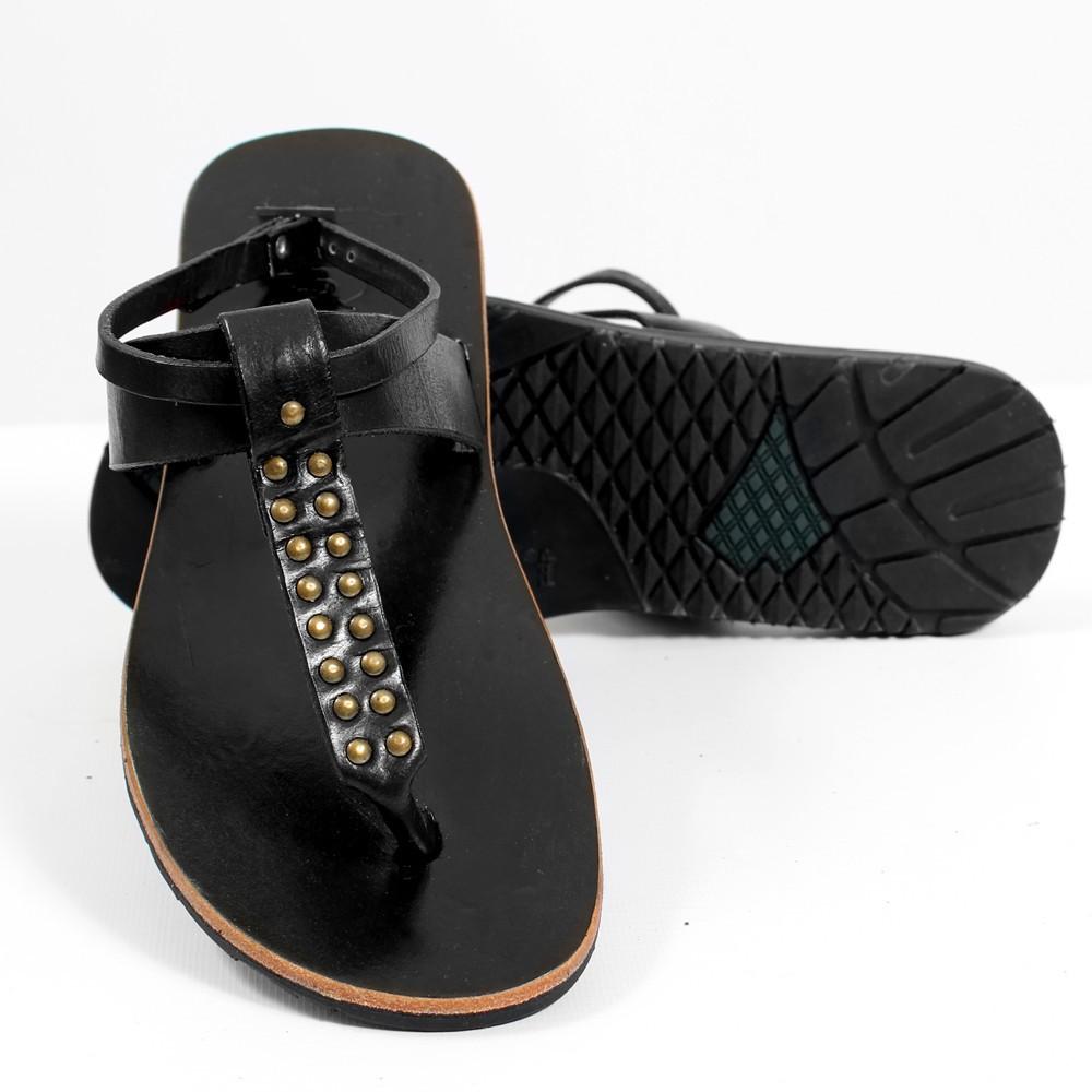 toonzshop vous a d nich des jolies sandales en cuir. Black Bedroom Furniture Sets. Home Design Ideas